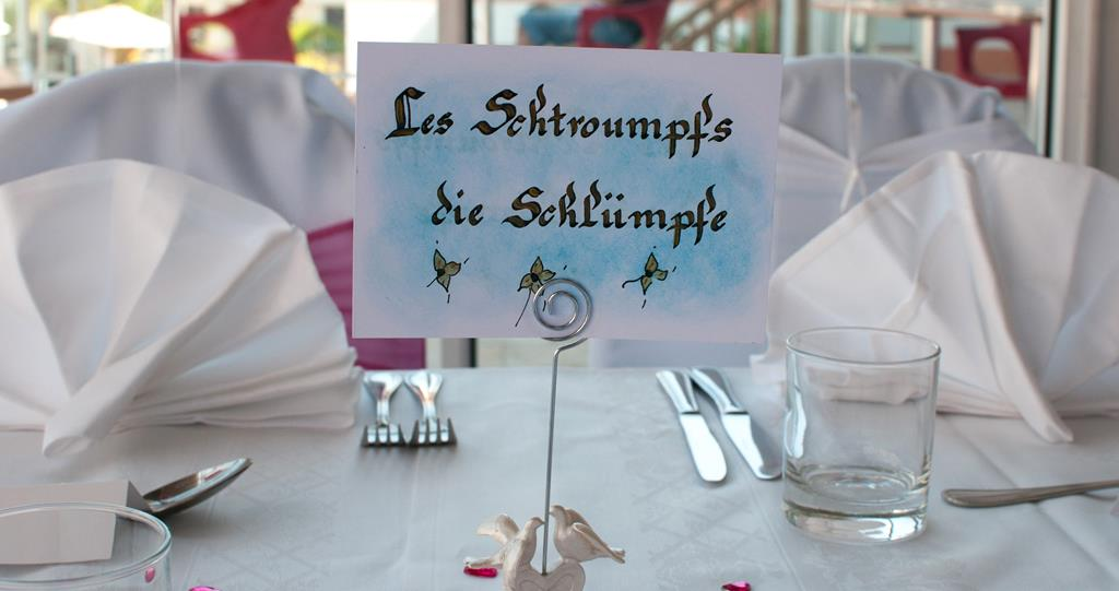 Communication ev nement for A table en allemand